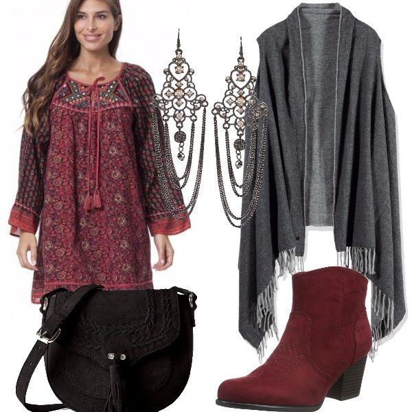 177a7d177462 Outfit Bohémien dai toni scuri con delizioso abito abbinato a stivaletto a  punta bordeaux
