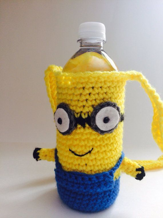 Minion Crochet Water Bottle Holder Inspired door CaliforniaSweetPeas #minioncrochetpatterns Minion Crochet Water Bottle Holder Inspired door CaliforniaSweetPeas #minioncrochetpatterns Minion Crochet Water Bottle Holder Inspired door CaliforniaSweetPeas #minioncrochetpatterns Minion Crochet Water Bottle Holder Inspired door CaliforniaSweetPeas #minioncrochetpatterns Minion Crochet Water Bottle Holder Inspired door CaliforniaSweetPeas #minioncrochetpatterns Minion Crochet Water Bottle Holder Inspi #minioncrochetpatterns