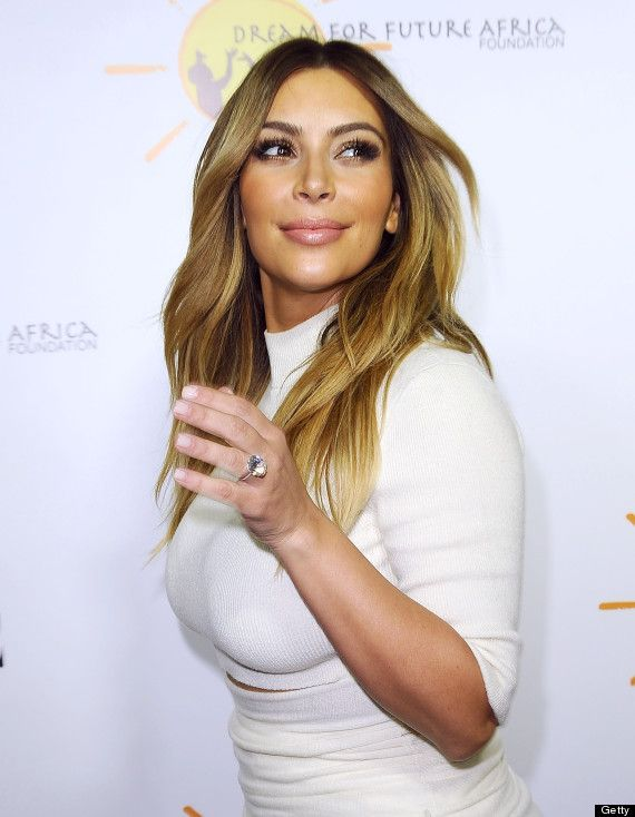 Kim Kardashian Engagement Ring Photo U2013 Kim And Kanye Red Carpet