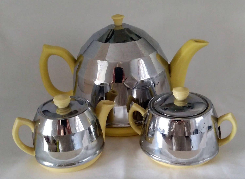 1950 S Chrome Tea Set Art Deco Style Teapot Sugar Milk Etsy Yellow Tea Tea Pots Art Deco Fashion