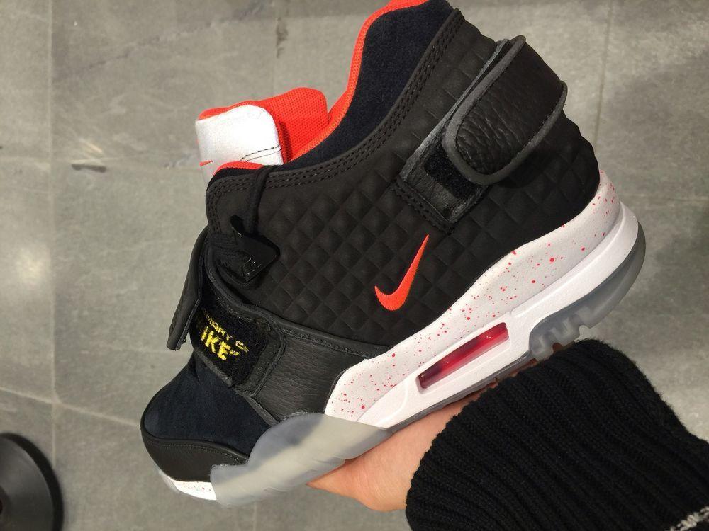 1bcc9d40b1b ... Nike Air Victor Cruz Black Suede 8 9 Foamposite PENNY yeezy 1 wheat red  October Nike Air Jordan ...