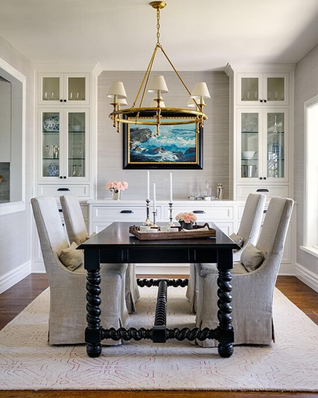 Casual Dining Room Buffet Decorating Ideas: Well Worth The Repeat. A Cozy And Casual Dining Room At