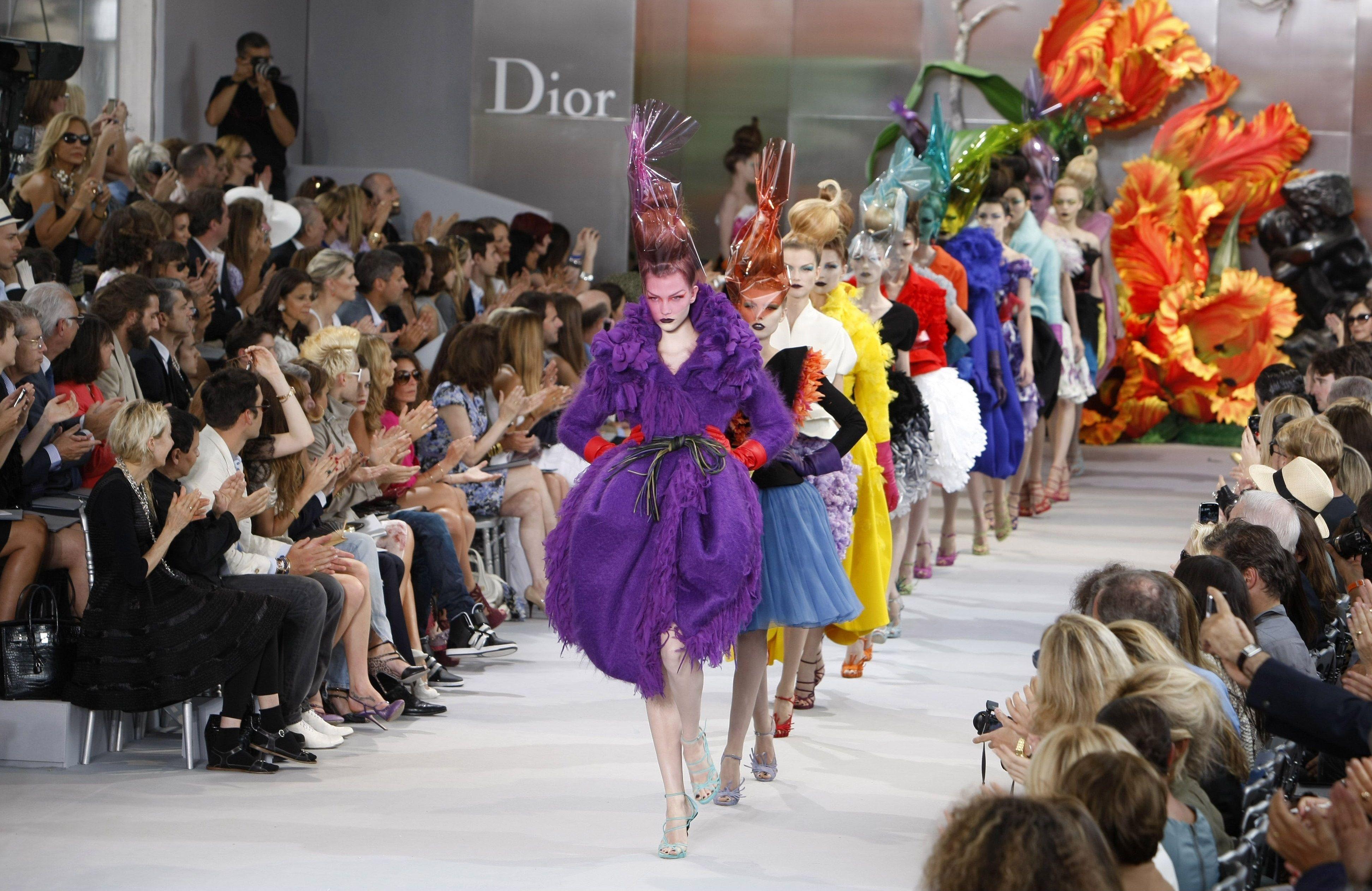 вот показ мод франция фото итоге