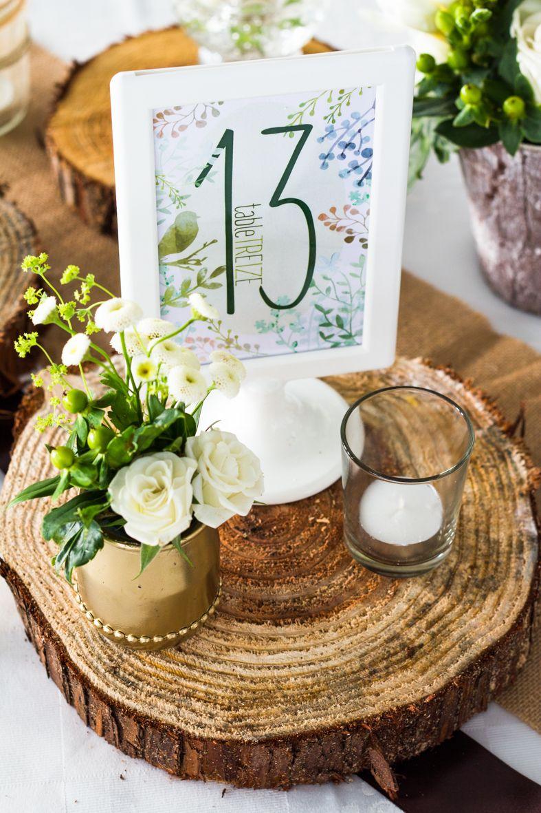 Numéro de table. Mariage thème nature / bois / vert et blanc