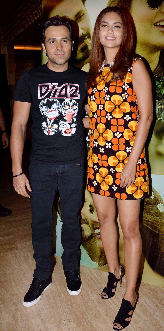 Esha Gupta at Iphone 5 launch   Celebrity look, Online