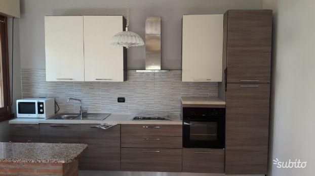Arredamento E Casalinghi Mantova.Cucina Lineare Completa Di Elettrodomestici Arredamento E