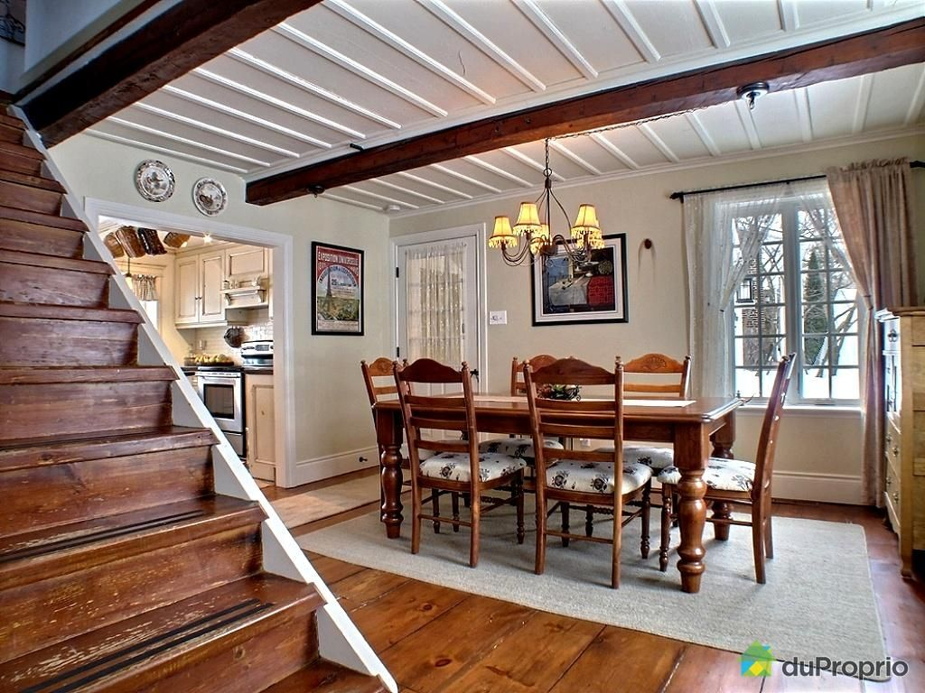 intérieur maison de bois