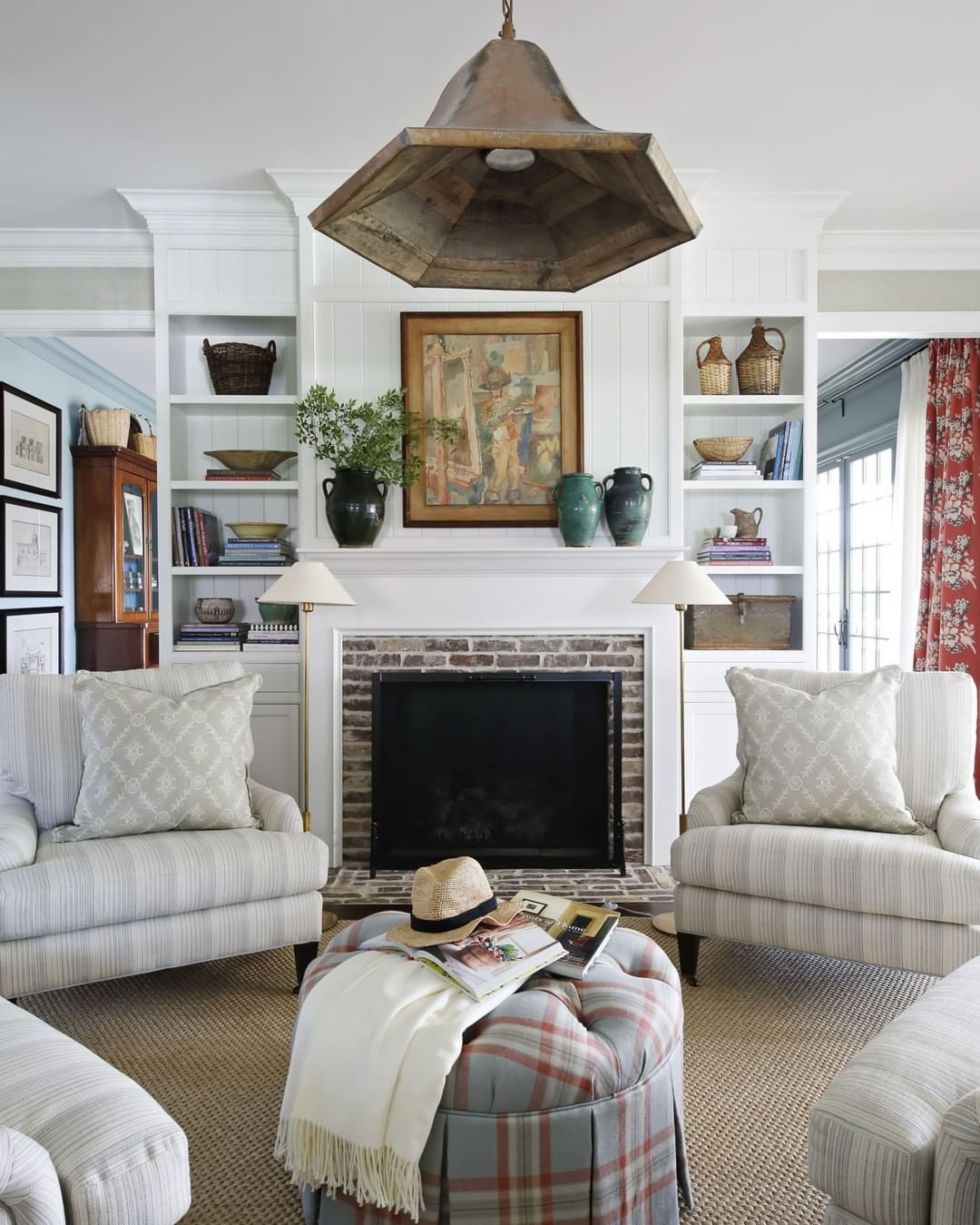 Ashley Gilbreath On Instagram Today Was A Day Of Slowing Down For A Moment I Got To Visit With An Old Friend A Decoracion Living Room City Living Room Decor