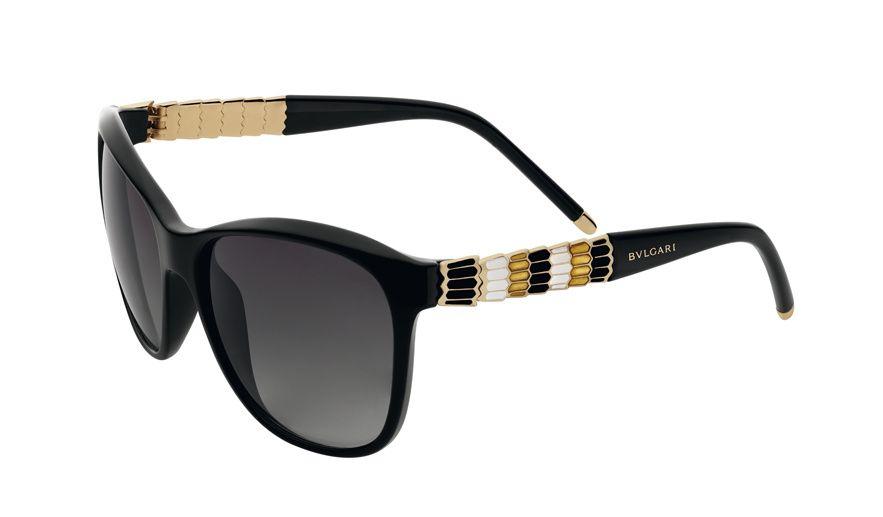 Bulgari lunettes de soleil serpenti noire http://www.vogue.fr/mode/shopping/diaporama/lunettes-de-soleil-noires-de-star/13733/image/765752#!bulgari-lunettes-de-soleil-serpenti-noire