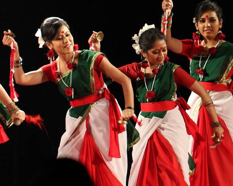 traditional dance in bangladesh