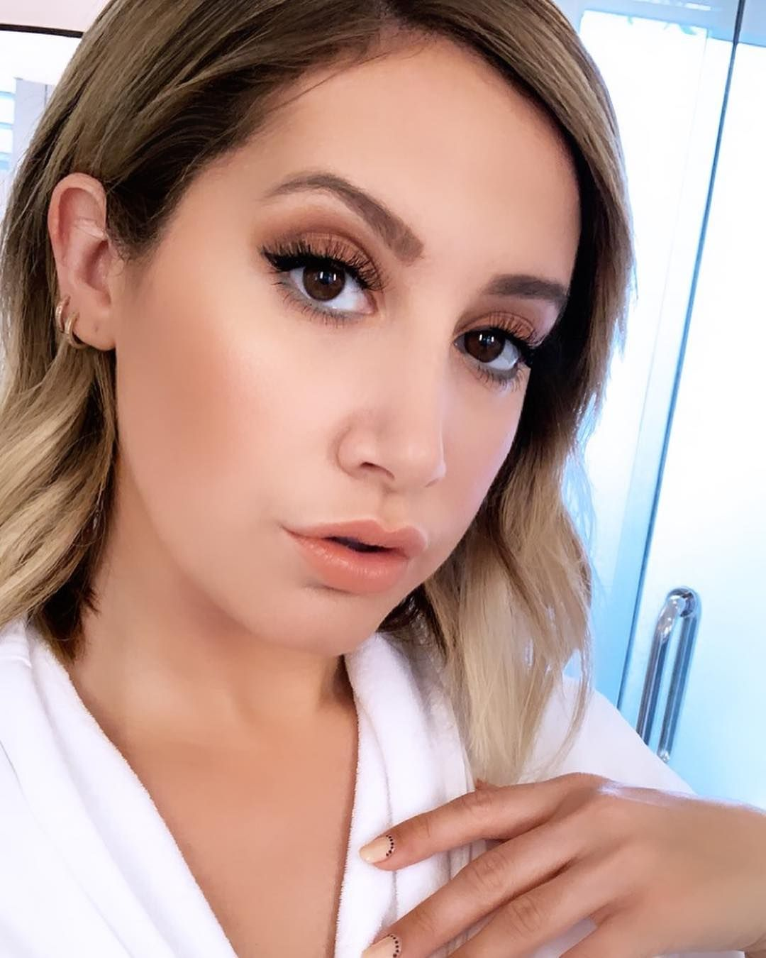 Ashley Tisdale On Instagram I Love Playing With Makeup Especially With My Make Up Illumina Ashley Tisdale Makeup Ashley Tisdale Style Elegant Hairstyles