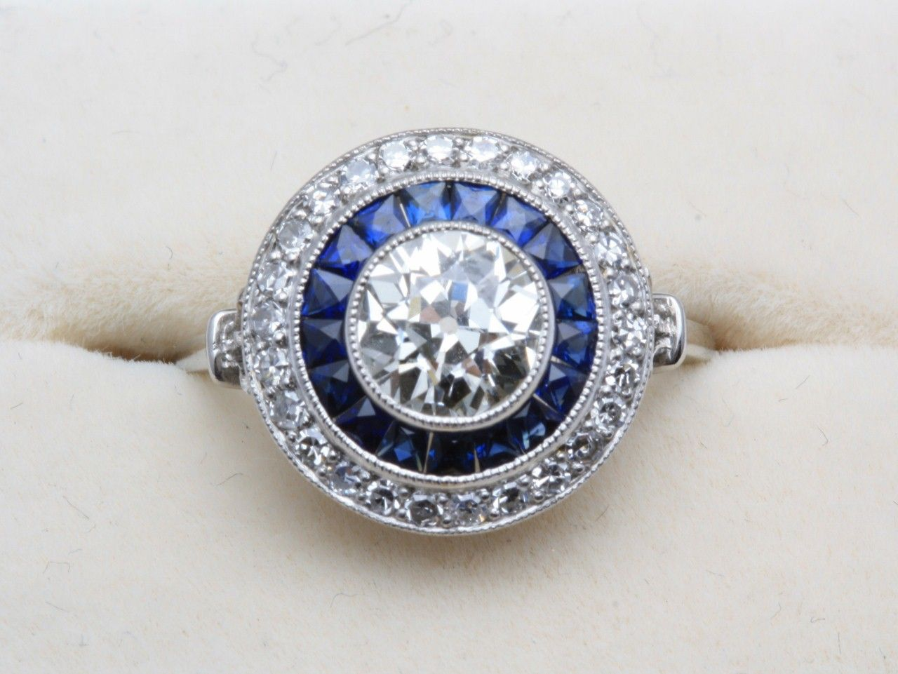 Sapphire And Diamond Target Ring Diamond Engagement Rings Vintage Wedding Rings Engagement Unusual Diamond Rings