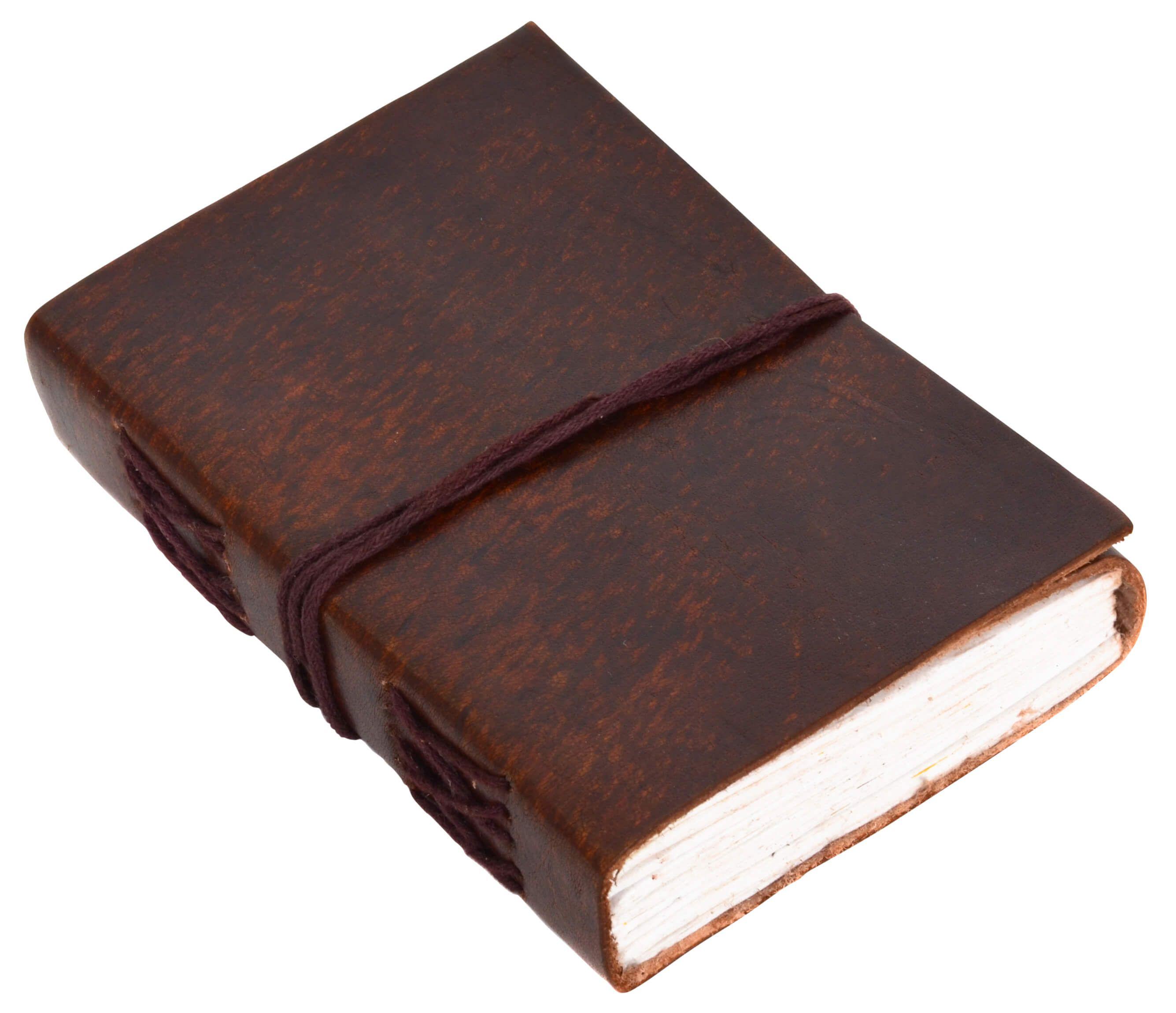 """Edel und schön – das ist """"Ebony"""". Das Buch mit einem naturgegerbtem und ungeprägten Einband aus Rindsleder überzeugt mit kleinen Raffinessen, wie der braunen Schnürung. Das glatte Leder verleiht dem Buch seine Eleganz - Lederbuch - Notizbuch - Gusti Leder - P14"""
