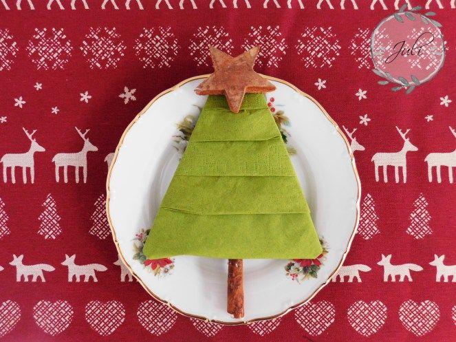 servietten tannenbaum falten diy tischdeko weihnachten diy gruppe pinterest. Black Bedroom Furniture Sets. Home Design Ideas