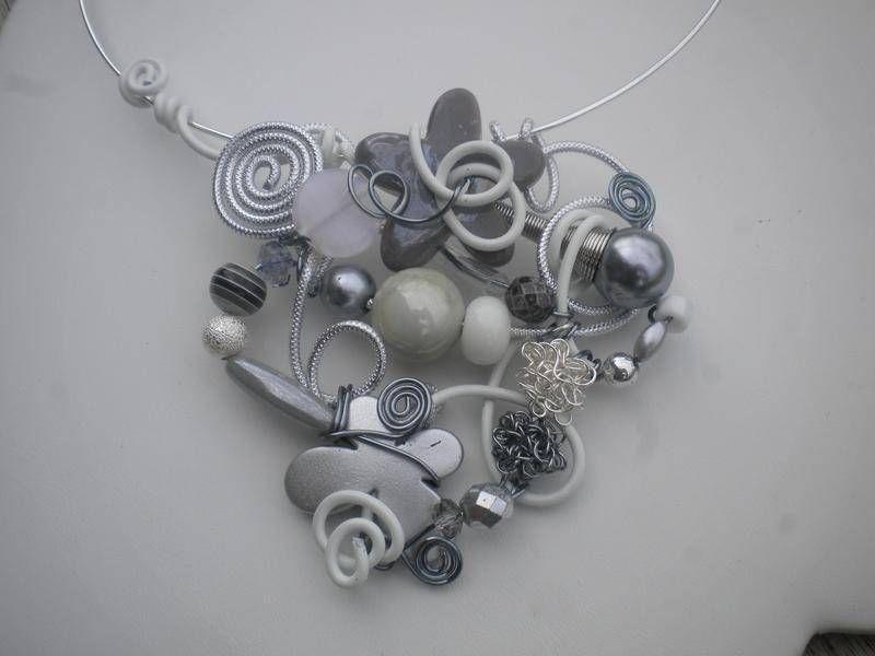 Pendentif collier aluminium