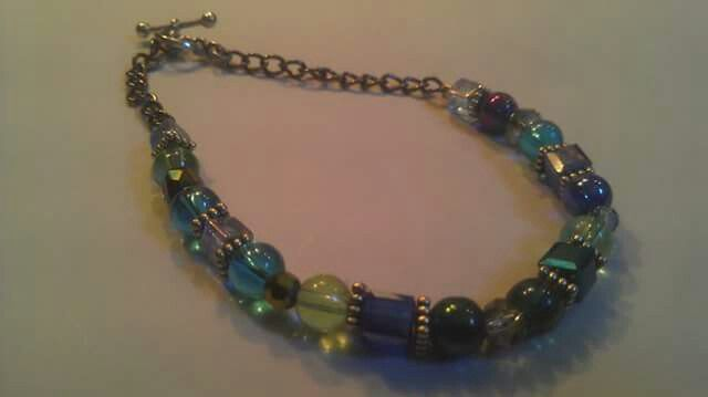 Blue and green single strand bracelet
