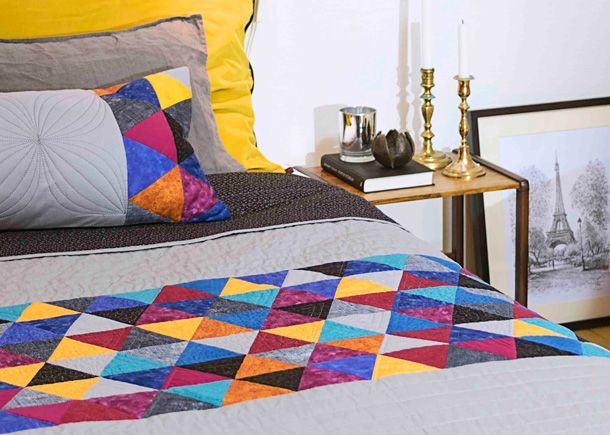 DESIGNER EPIC ™ Triangular Quilt - HUSQVARNA VIKING®