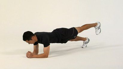 exercise of the day the pillar bridge with leg lift gives