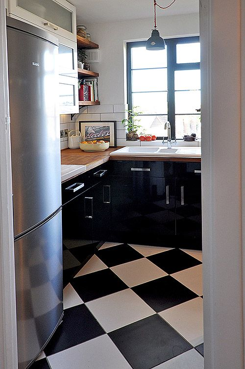 Before & After: A Small, Shabby London Kitchen Gets A Chic Update ...