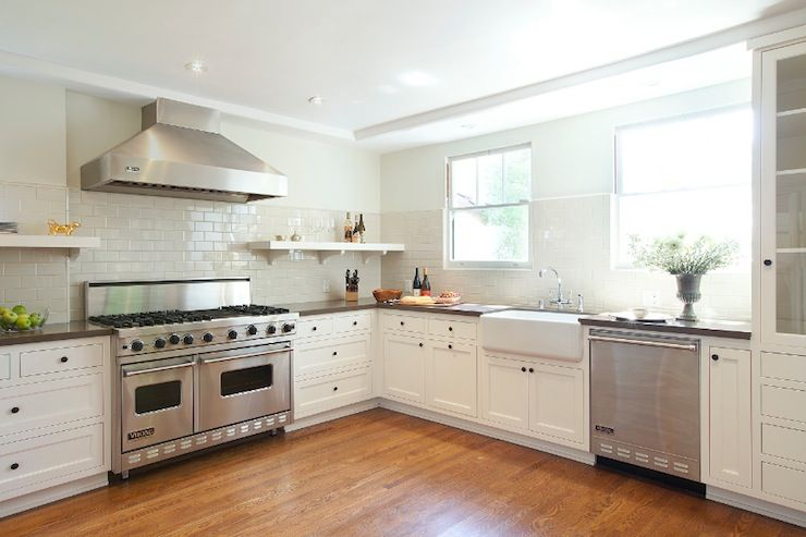 Woodson rummerfield kitchens white kitchen white for Kitchen without wall units