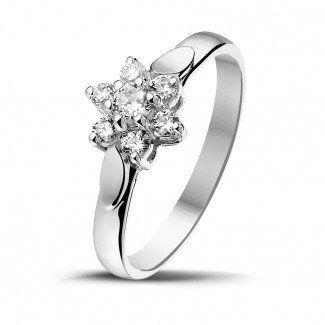 Witgouden Diamanten Verlovingsringen - 0.30 caraat diamanten bloemenring in wit goud