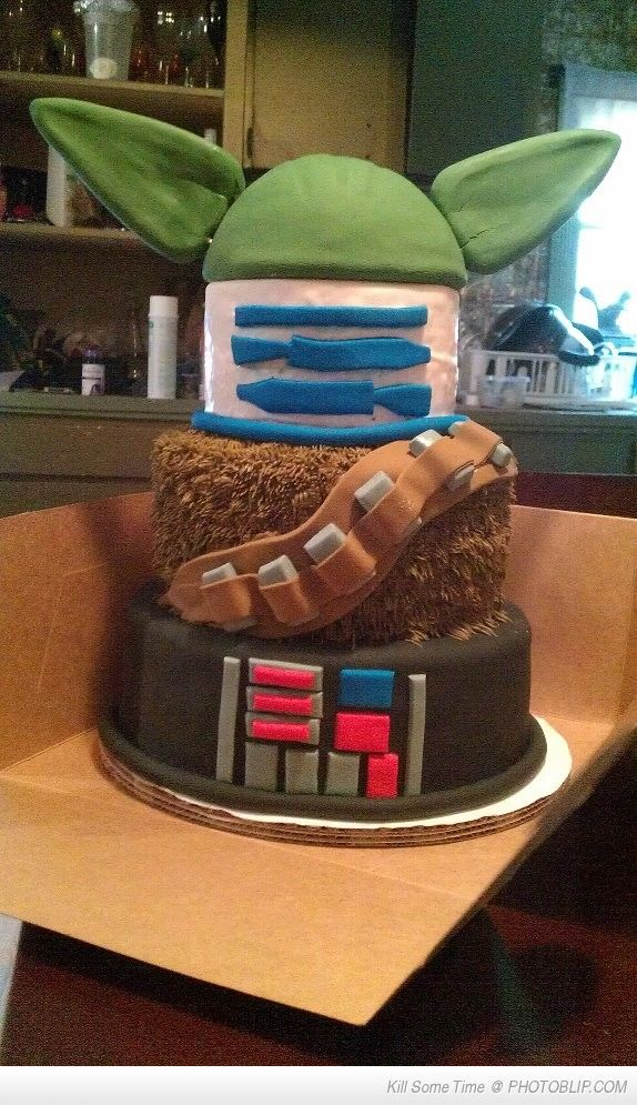 Star Wars Cake! @Kristin Fletcher, this reminds me of Jackson and Maddie's first Halloween! It would be awesome if the boys ever want a SWs party :)
