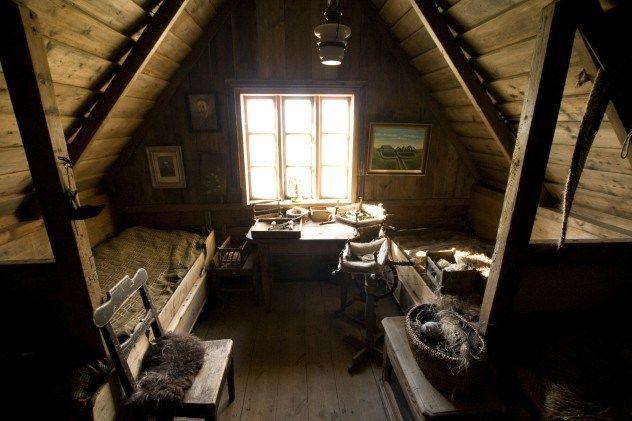 sotão de madeira simples - Pesquisa Google | De madeira, Sótão, Beliche