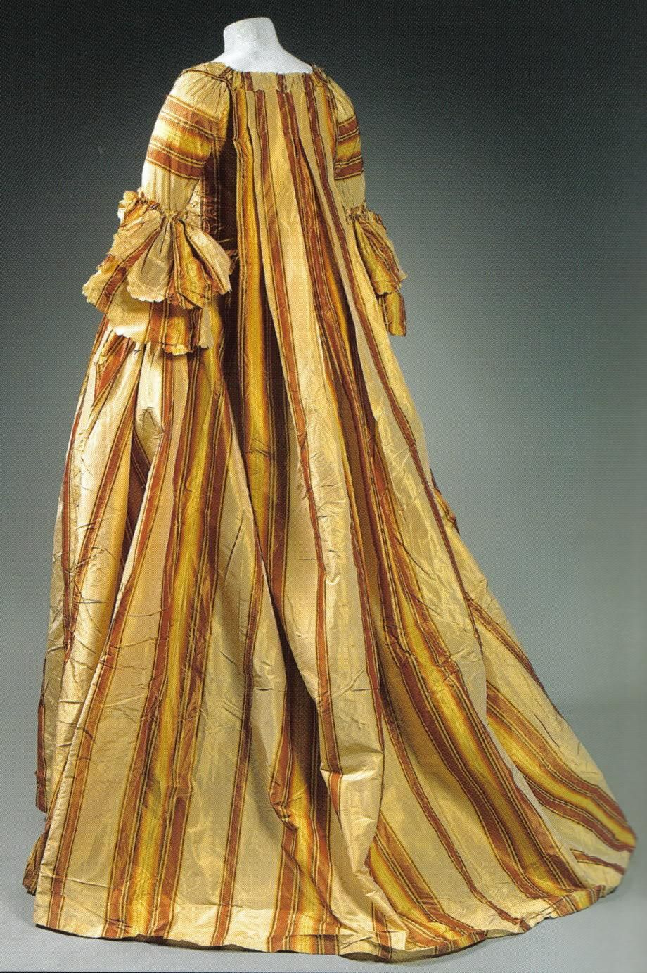 Watteau pleats: Early 1700s, French, free floating back achieved ...