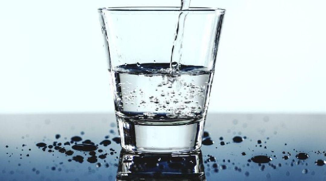 sfida alla dieta dellacqua