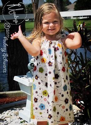 DIY Girls Clothes : DIY Sew A Fat Quarter Pillowcase Dress