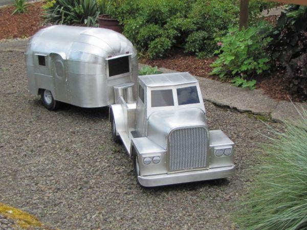 Baby Airstream trailer/yard art