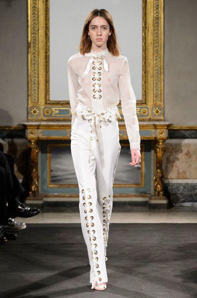Francesco Scognamiglio at Milan Fashion Week Fall 2016 - Runway Photos