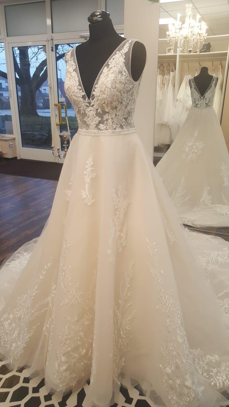 A Line Wedding Dresses Are Very Popular Exclusiveweddingdresses Lexington Bridalshop Boston Massachusetts Exclusive Wedding Bridal Wedding Dresses