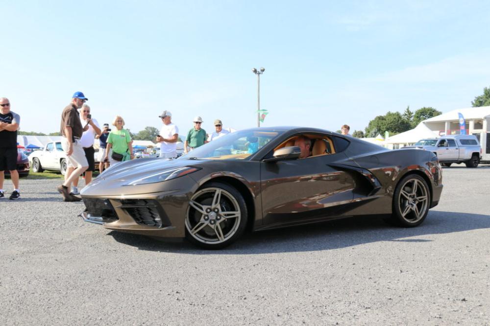 Vette Vues Magazine 2020 C8 Corvette Colors Three New For Mid