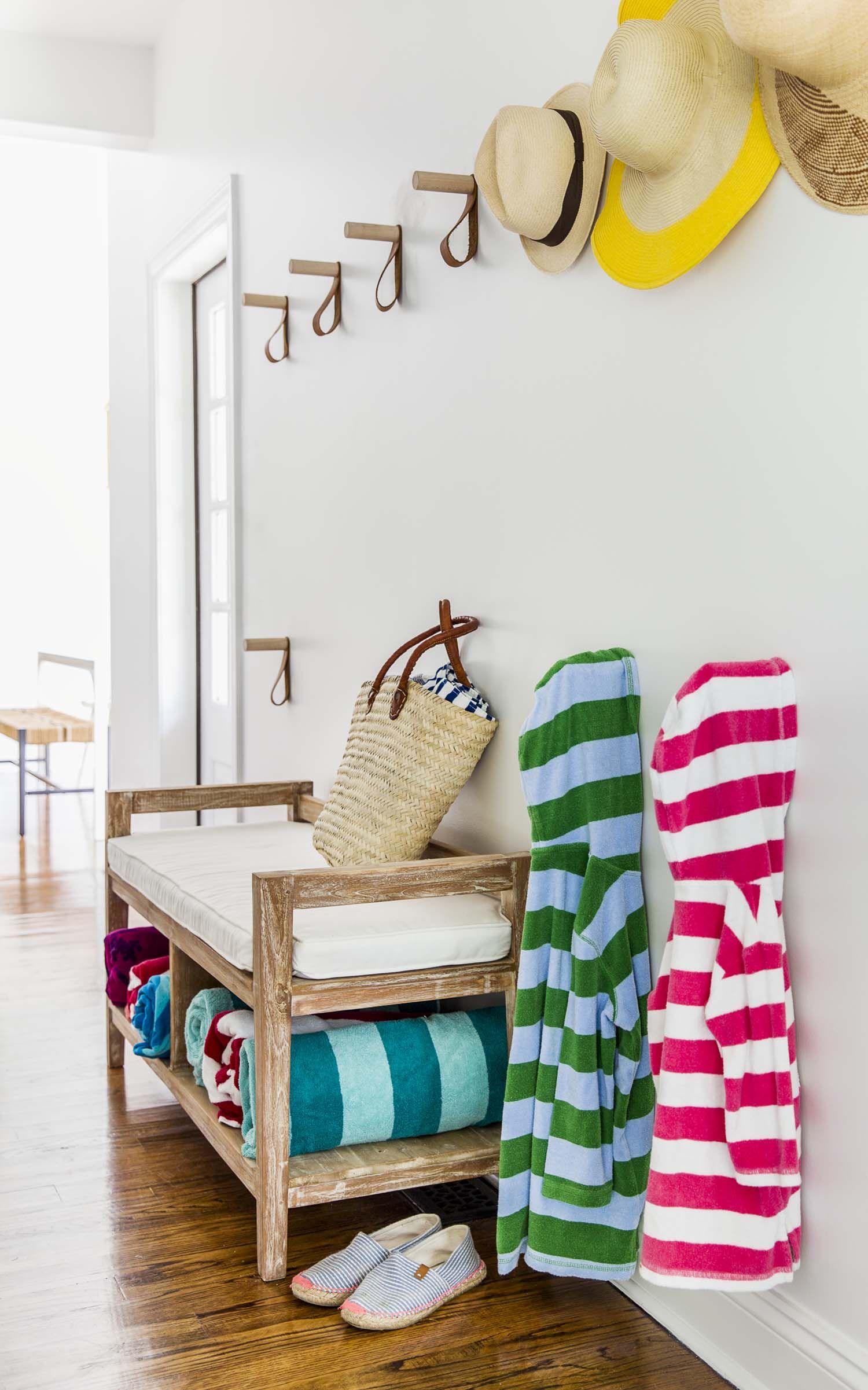 and playful interiors characterizes this westhampton beach house - Ideen Fur Regenschirmstander Innendesign Bestimmt Auswahl