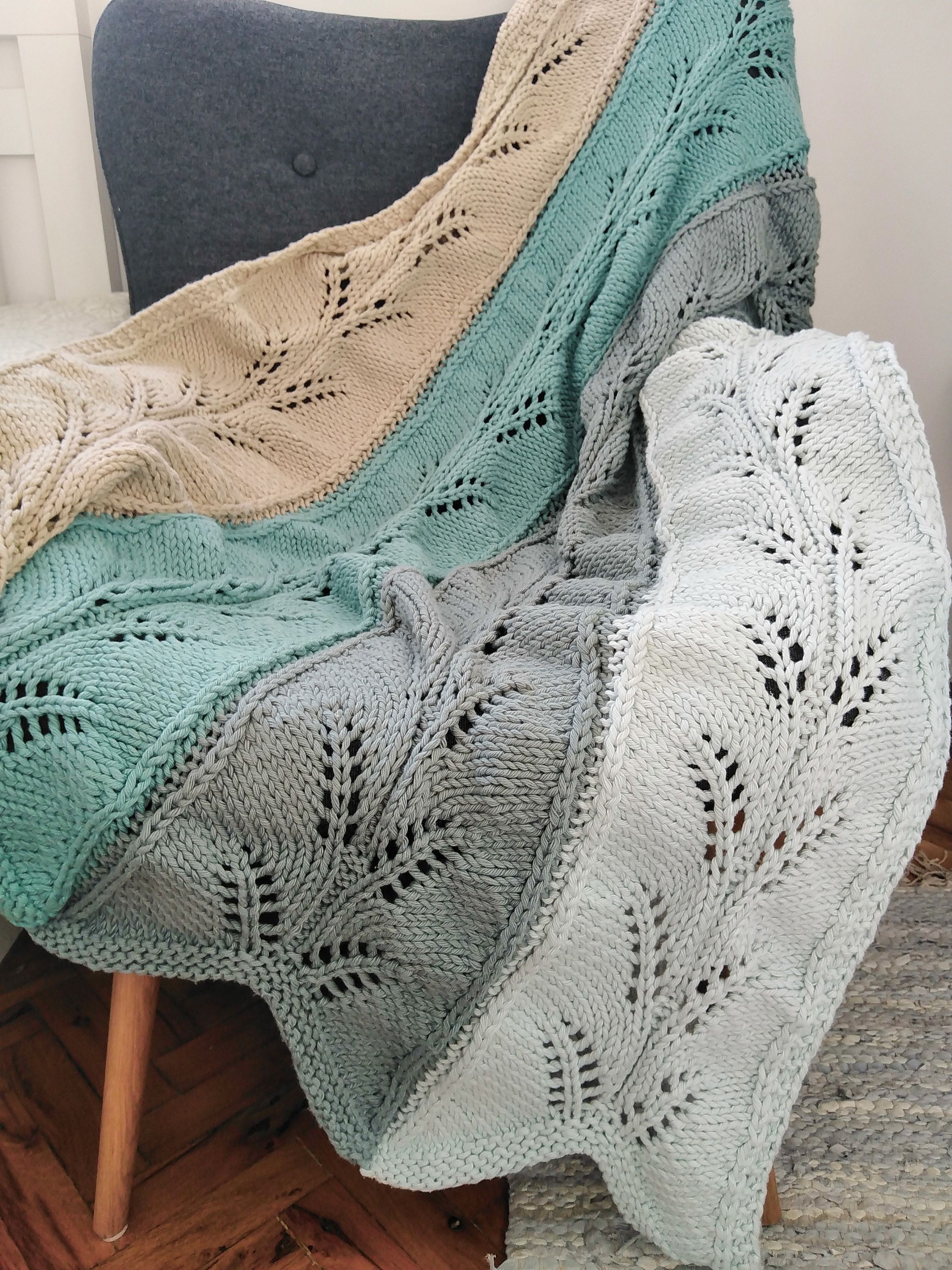 Multicolored knitted throw blanket for armchairs - single ...