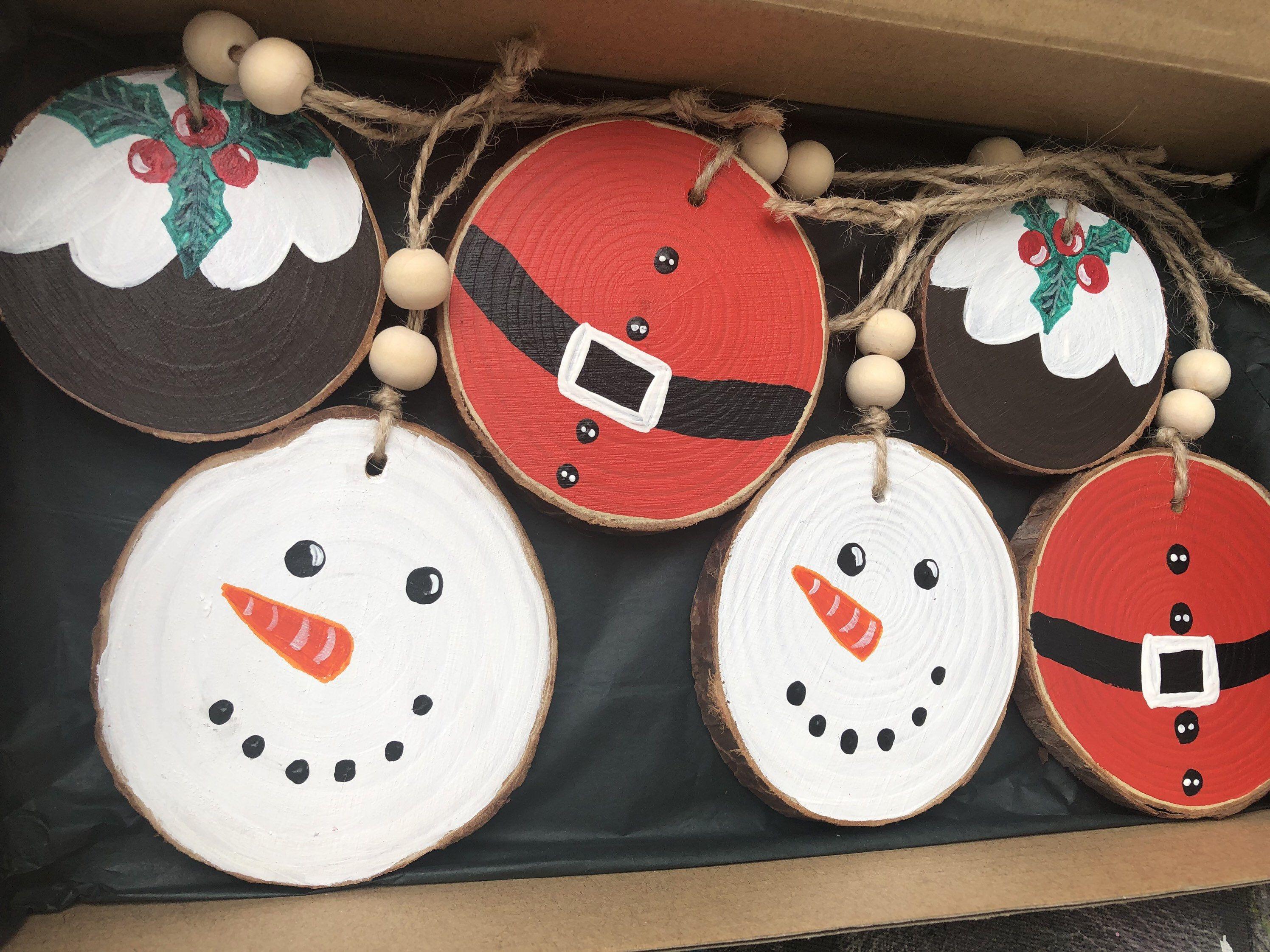 Set Of 5 Christmas Wood Slice Coasters Tree Decoration Etsy In 2020 Christmas Wood Wood Slices Snowman Christmas Ornaments