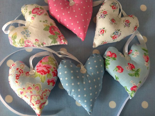 Heart garland by patchwork and lace, via Flickr