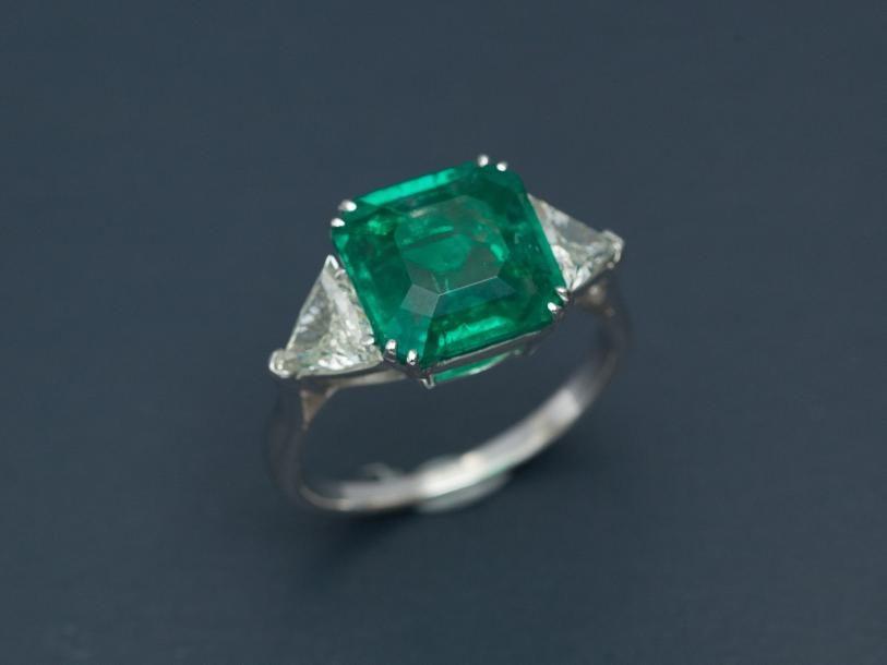 bague diamant triangulaire