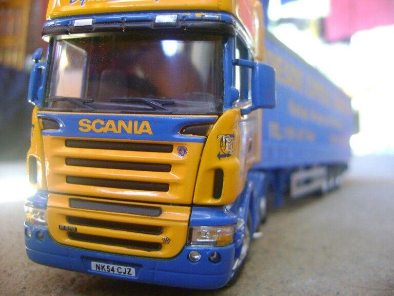A escala 150 Camiones, Autos, Autos a escala