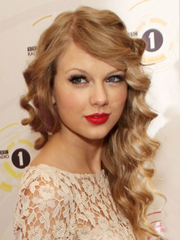 Curly Prom Hairstyles For Medium Hair 311