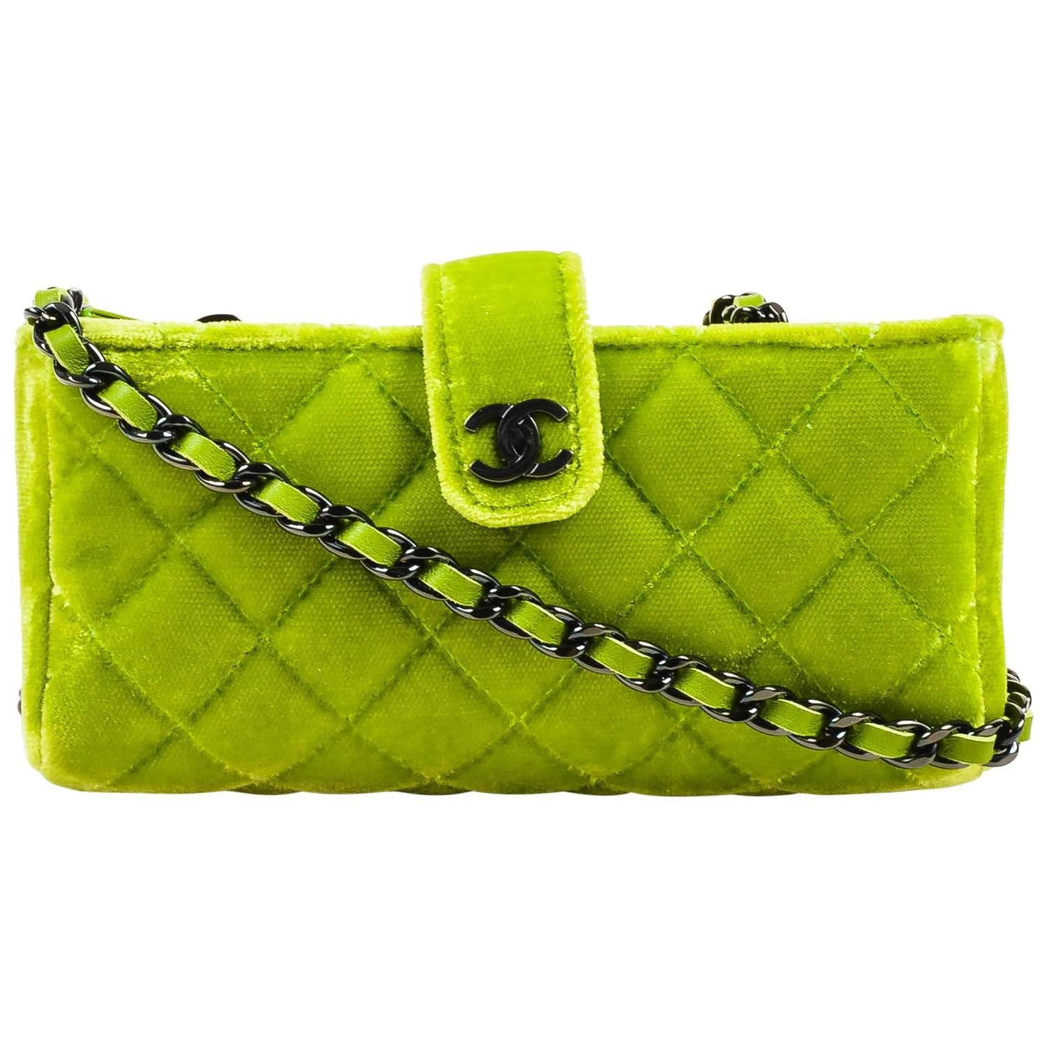 e07f8e334018 Chanel Lime Green Quilted Velvet Chain Link Shoulder Strap Small Clutch Bag