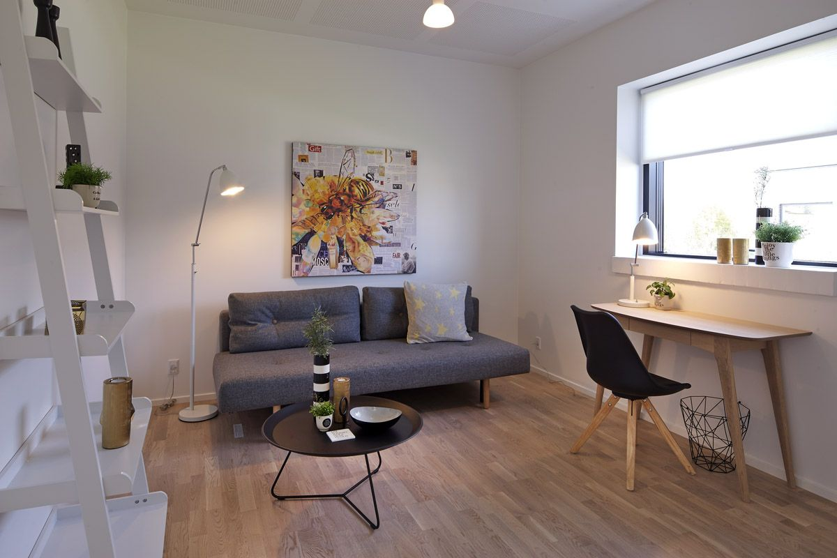Velindrettet og funktionelt teenageværelse i moderne stil. | eurodan ...