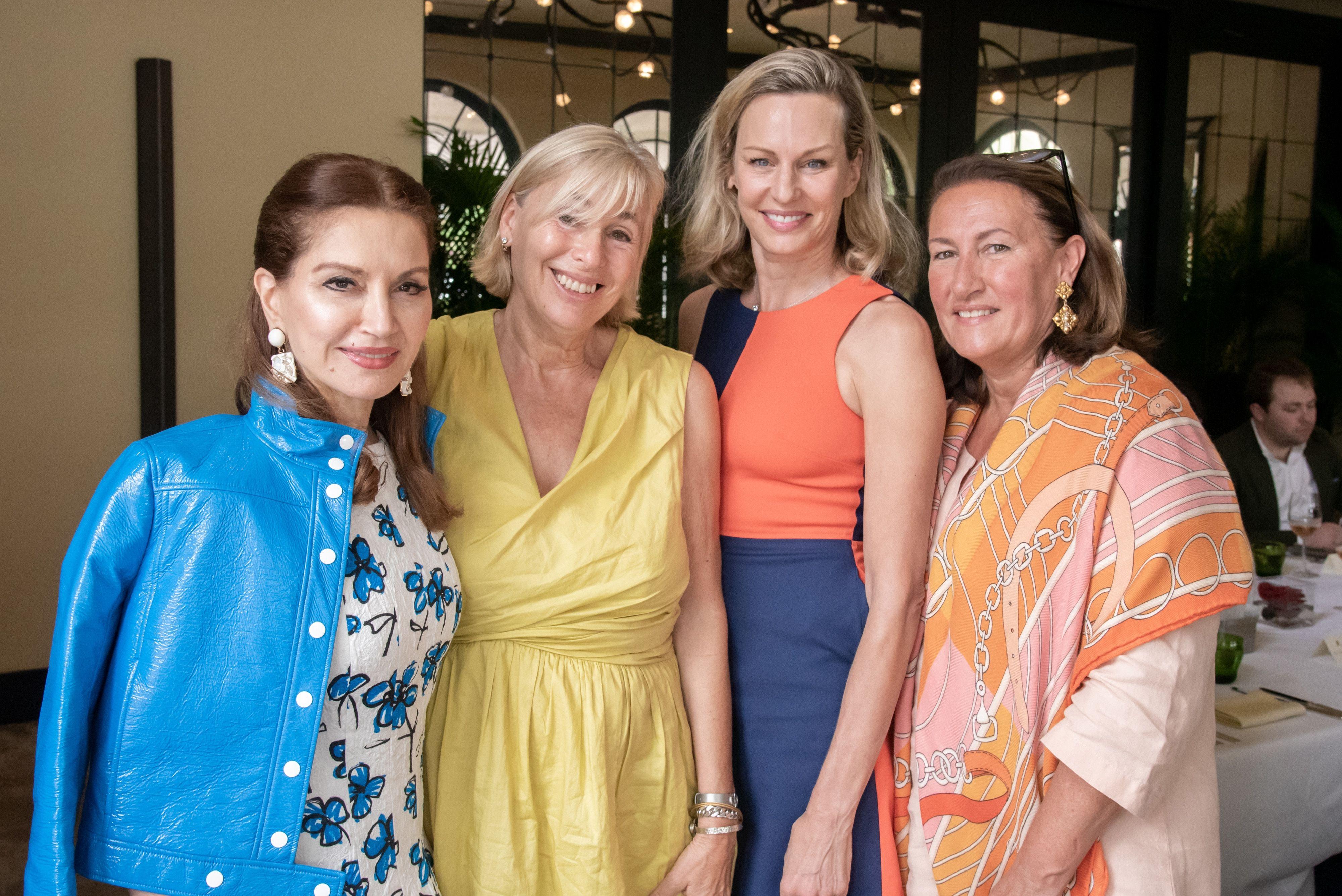 Jean Shafiroff Christine Schott Ledes In 2020 Black Tie Gala Jean Shafiroff Fashion
