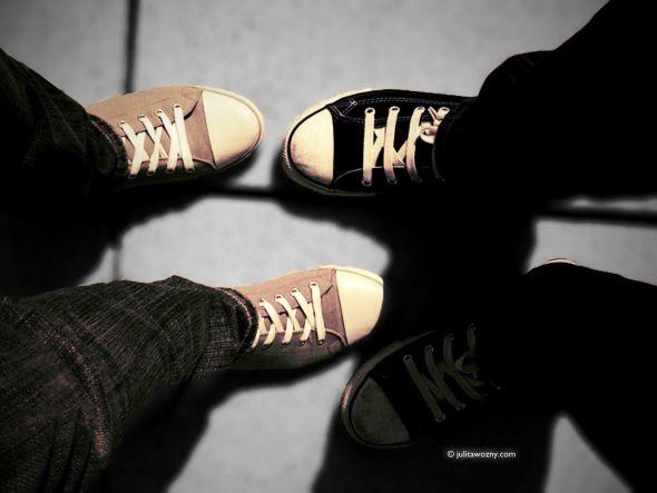 sneakers, shoes, street style    via julitawozny.com