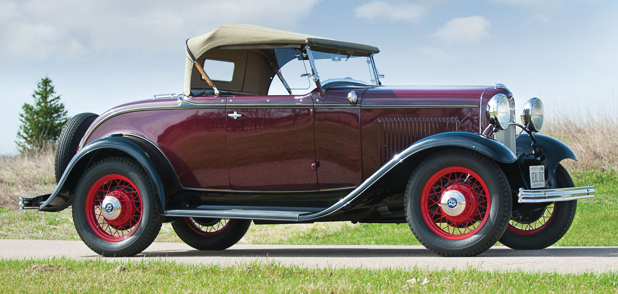 Deuce of a different demeanor – restored \'32 F | 1932 ford, Ford and ...