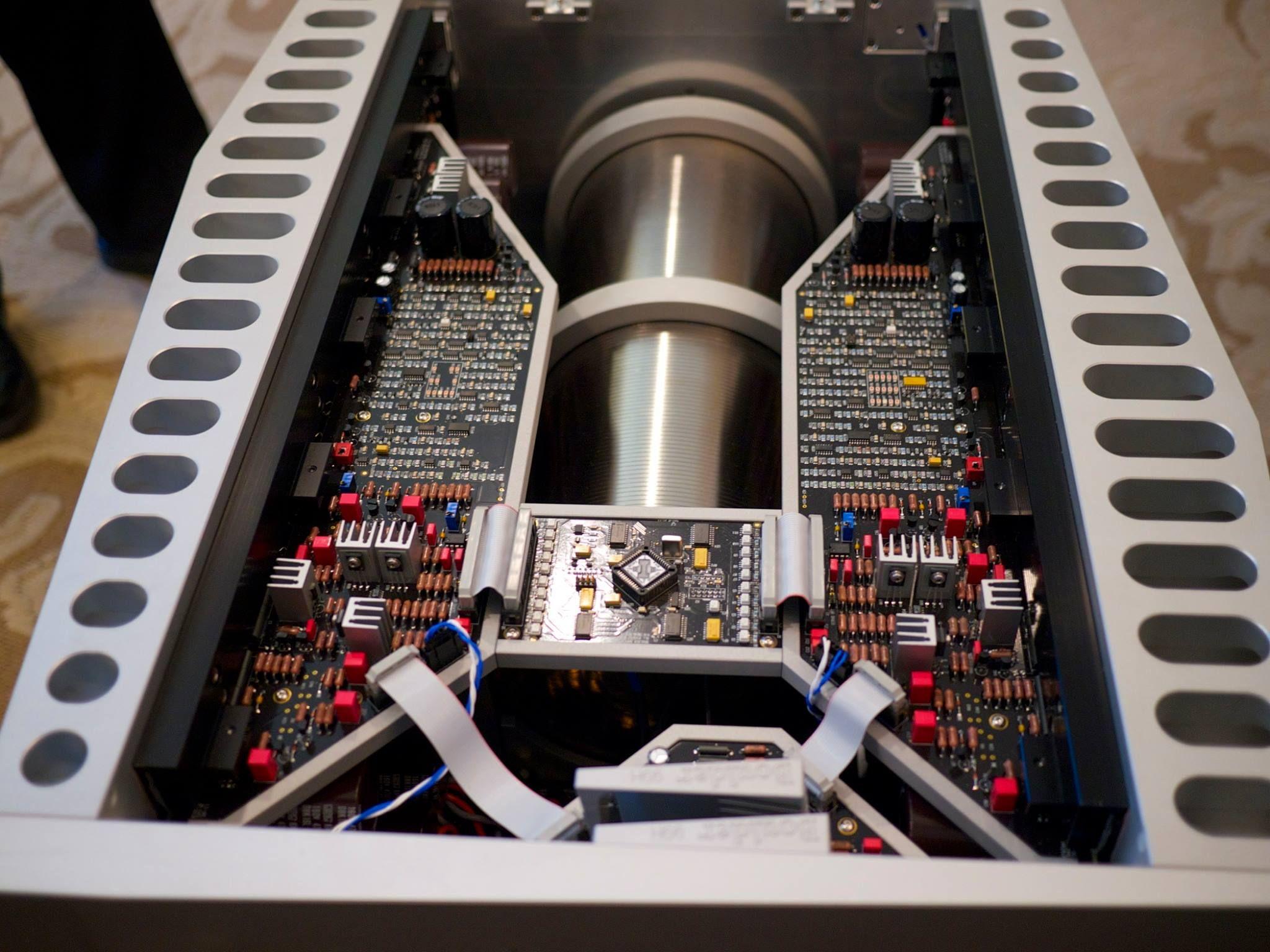 BOULDER 3050 monoblock amplifier.   Diy speakers ...