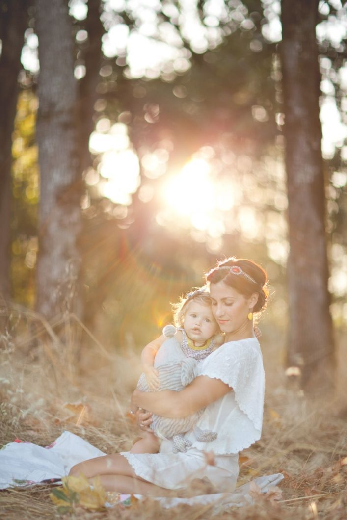 I've been really wanting to do a mother-daughter photo shoot with Evelyn lately and just haven't had the chance to arrange it yet, so this i...