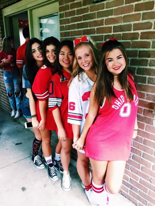 From Tumblr College Parties College Girls College Years Sorority Poses Tail Gate