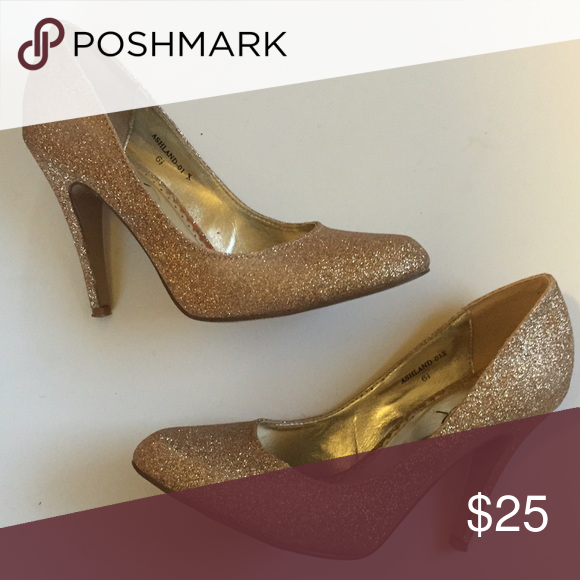 Glitter heels Great for the holidays! Shoes Heels